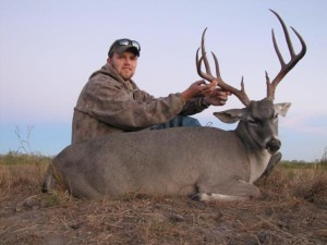 Texas Deer Hunting - Whitetail buck